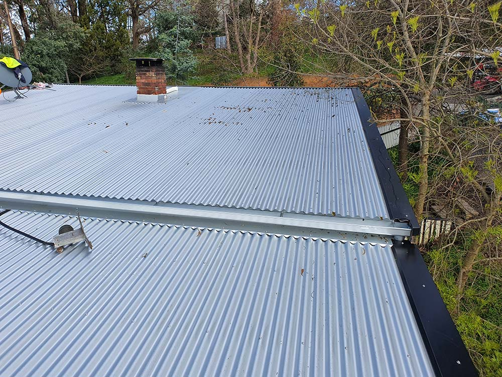 Metal Roof Replacement – Re/Roofing